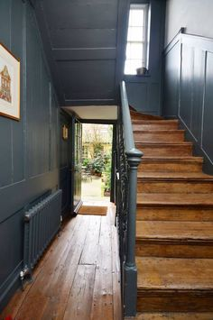 Spitalfields - Entrance Hall x Fournier St. Georgian Interiors, Georgian Homes, Victorian Homes, Victorian Hallway, Painted Staircases, Painted Stairs, Hallway Flooring, Hallway Carpet, Flur Design