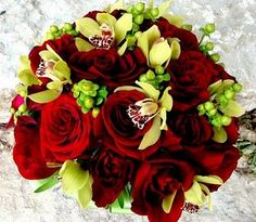 I'm not a huge fan of a solid red bouquet but this is gorgeous!