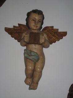 Houten engel bij 'De Elborgh Brocante'