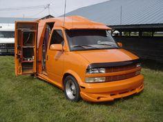 Image Transporteur Volkswagen, Chevy Astro Van, Big Van, Snow Vehicles, Gmc Vans, Stunt Bike, Vanz, Mini Bus, Custom Bobber