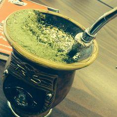 Pues nada, aquí echándome un chimarrao #brasil #beverage #témañanero