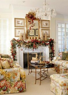 48 Inspiring Holiday Fireplace Mantel Decorating Ideas to decorate the fireplace with holiday memories. Inspiring Holiday Fireplace Mantel Decorating Ideas to get you inspired. Beautiful Christmas Decorations, Elegant Christmas, Noel Christmas, Christmas Trends, Country Christmas, Victorian Christmas, Silver Christmas, Modern Christmas, Vintage Christmas
