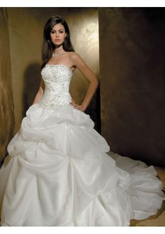 Organza Strapless Empire Bodice with Asymmetrical Pick-up Ball Gown Wedding Dress = so GLAMOROUS!