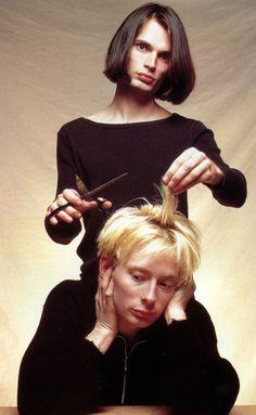 Thom Yorke & Jonny Greenwood, an old Radiohead... | Oh, It's The 90s.