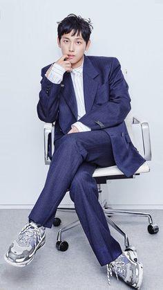 Im Siwan, Lee Byung Hun, Superbat, Asian Boys, Pose Reference, Korean Actors, Cute Guys, That Look, Mens Fashion