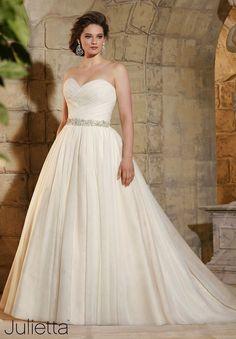 98a8a765397 34 Best Plus Size Wedding Dresses images