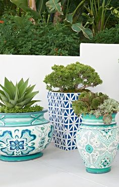 Inspired by the shades of the sea, our exquisitely detailed Serino Painted Planter with Handles brings a burst of cool color to your sunroom, patio or garden. Porch And Terrace, Outdoor Balcony, Outdoor Plants, Outdoor Areas, Outdoor Rooms, Dish Garden, Garden Pots, Backyard Paradise, Decks And Porches