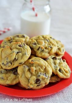 CHOCOLATE CHIP PUDDING COOKIES!! Your family will be asking you to make these over and over again. They are a big hit with everyone. Make a double batch, they go quick :) RECIPE HERE: