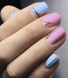 Want some ideas for wedding nail polish designs? This article is a collection of our favorite nail polish designs for your special day. Minimalist Nails, Stylish Nails, Trendy Nails, Nail Polish Designs, Nail Art Designs, Faux Ongles Gel, Hair And Nails, My Nails, Nagellack Design