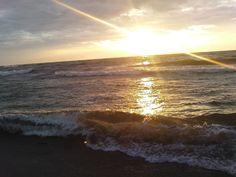 Dąbki / Darłowo / Darłówko / Bałtyk / morze Bałtyckie / Baltic / Sea / zachód słońca  nad Polskim morzem Bałtyckim... : Darłowo, Dąbki (woj. Koszalińskie / Polska #Bałtyk #morze #Bałtyckie #Baltic #sea #Darłowo #Dąbki #koszalińskie #Polska #Poland #wybrzeże #zachodniopomorskie #zachód #słońca #wydmy #plaża #Darłówek #Adam #Matuszyk