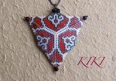 KIKI beads: Peyote Pendant - Triangle