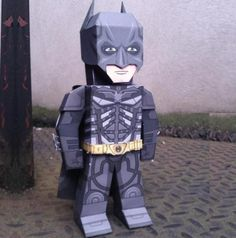 Batman Paper Toy - Dark Knight Rises - by My Paper Heroes - Here is Batman, in a nice paper toy version of this last movie, Dark Knight Rises, made by designer Xavier Gale-Sides, from My Paper Heroes website.