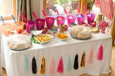 Food table at a Flamingo Themed Kids Party Parties Kids, Birthday Party Snacks, Party Tables, Flamingo Birthday, Project Nursery, Party Ideas, Sweets, Table Decorations, Projects