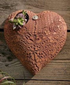 beautiful earthenware wall pockets from Lynn Armstrong in Dallas Sculptures Céramiques, Sculpture Art, Ceramic Sculptures, Ceramic Clay, Ceramic Pottery, Slab Pottery, Ceramic Bowls, Keramik Design, Tadelakt