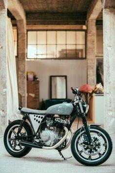 Yamaha xs 400 se custom
