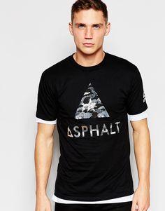 T-Shirt von Asphalt Yacht Club weiches Jersey Rundhalsausschnitt Druckmuster reguläre Passform - entspricht den Größenangaben Maschinenwäsche 100% Baumwolle Model trägt Größe M und ist 189cm/6 Fuß und 2,5Zoll groß