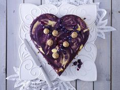 15 heart shaped food ideas for Valentines Day German Cake, German Desserts, Cupcakes, Eat Your Heart Out, Blueberry Cheesecake, How Sweet Eats, Cheesecakes, Veggie Recipes, Sweet Treats