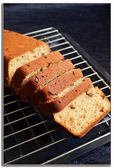 Eggless banana bread recipe with step by step photos. Sharing a very easy eggless banana bread recipe that is moist and delicious. Though I say just eggless banana bread recipe, this is a vegan ban… No Butter Banana Bread, Eggless Banana Bread Recipe, Quick Banana Bread, Sugar Free Banana Bread, Banana Bread Cake, Eggless Recipes, Vegan Banana Bread, Easy Bread Recipes, Banana Bread Recipes