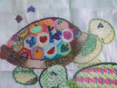 Tortuga en bordado fantasía mexicano.