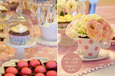 Um lindo chá para princesas. Veja mais: http://www.casadevalentina.com.br/blog/materia/ch-para-princesas.html  #decor #decoracao #party #festa #kids #infantil #princess #princesa #casadevalentina