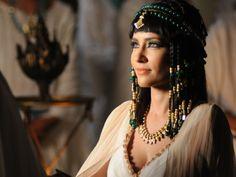 Azenate (Maite Piragibe)  figurino José do Egito, enfeites de cabelo