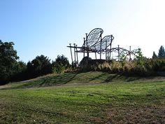 Lorna Jordan, Dragonfly Garden, 2006, Longfellow Creek Watershed, Seattle Public Utilities 1% for Art and construction funds.