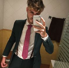 8c8523471 31 Best Wearing HUGO images in 2019 | Backgrounds, Cute Guys, Hugo Boss