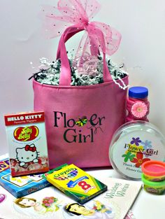 Fun and fab Flower Girl Tote Set for the Younger Flower Girl.