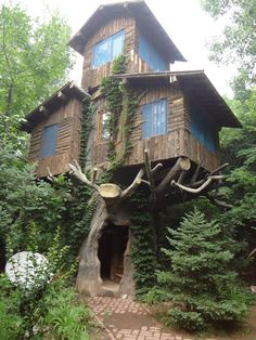 A three-store tree house in the woods…