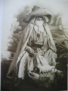 Voyage chez les Amazighs  Femme du Rif 1880 Maroc