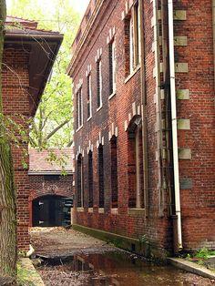 abandoned buildings of Ellis Island