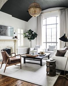 We love a room with a S O U L. 🖤 Ya gotta love the drama that black ceiling brings to this living room! What do you love most about this room? Classic Interior, Modern Interior, Interior Design, Room Interior, Interior Ideas, Interior Inspiration, Design Inspiration, Design Ideas, Living Room Designs