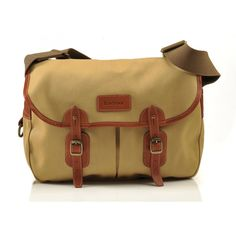 Barbour - i have one . Leather Laptop Bag, Laptop Bags, Barbour Bags, Waxed Cotton Jacket, Country Fashion, Briefcase For Men, English Style, Man Stuff, Men's Bags