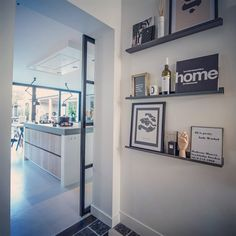 binnenkijken bij wonenbydjo Room Inspiration, Interior Inspiration, Home Interior, Interior Design, Colour Pallete, Decoration, Old Houses, Sweet Home, Gallery Wall