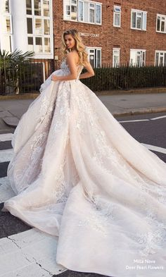 Milla Nova Blooming London Wedding Dresses 2019 - New Ideas Wedding Dress Tight, Luxury Wedding Dress, Long Wedding Dresses, Bridal Dresses, Wedding Dress Long Train, Eve Of Milady Wedding Dresses, European Wedding Dresses, Wedding Lingerie, Wedding Gowns