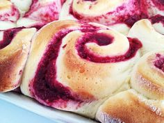 Raspberry Cinnamon Rolls with Cream Cheeses Frosting ~ soft, sweet roll filled with raspberry and cinnamon goodness. Top them with cream cheese frosting and they are to die for.