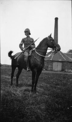 Boer War 1899-1902 Sergeant Major in the Lothian and Border Horse Yeomanry. © IWM (Q 72034)