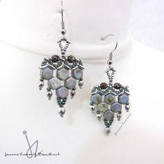 Handmade beadwoven Honeycomb Arrowhead Earrings with Stainless Steel earwires #honeycomb #beads #beadwork #handmade #earrings