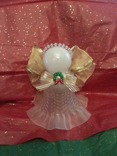 angel crafts using ceiling fan globes - Bing images Christmas Angels, All Things Christmas, Christmas Holidays, Christmas Wreaths, Christmas Decorations, Christmas Ornaments, Christmas Bells, Angel Crafts, Christmas Projects