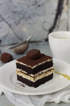 Layered Desserts, Fun Desserts, Sweets Recipes, Cake Recipes, Romanian Desserts, Pastry Cake, Pie Dessert, Sweet Cakes, Ice Cream Recipes