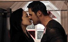 'Beauty and the Beast' exclusive: Watch Catherine and Vincent's sexy shower makeout   EW.com