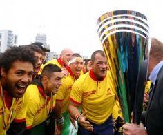 Timișoara Saracens și-a redobândit pentru a patra oară titlul de campioană națională a României. Rugbiștii bănățeni au avut o partidă crâncenă pe terenul rivalei Știința Baia Mare, care deținea trofeul câștigat anul trecut....