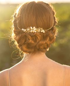 Gorgeous Wedding Hairstyles with Bridal Tiara