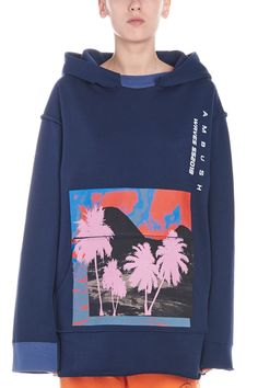 AMBUSH 蓝色连帽卫衣. #ambush #cloth Mens Fashion Sweaters, Student Fashion, Athletic Fashion, Apparel Design, Casual Shirts, Shirt Designs, Menswear, Screenprinting, Looking For Women