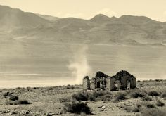 Last standing structure in a ghost town in Southern Utah. Source: Magnum_Cobra (reddit)