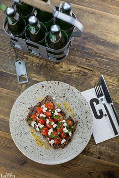 Firma : Carmelos @carmelosgfc - Crew Restaurant Group @crewgroup  Yemek Fotoğrafçısı : Zeynep Işık - Larien Dijital Medya @lariendijital Yemek Stilistleri : Duygu Büke Akın @dygbke & Ruba Kılınç @ruba_vak