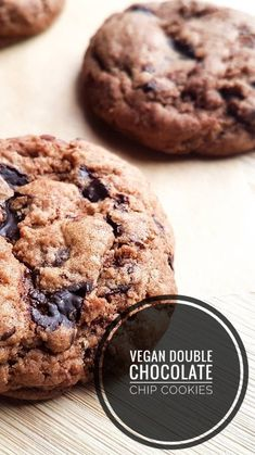 A gorgeous recipes for rich, crispy and chewy double chocolate chip vegan cookies Double Chocolate Chip Cookies, Going Vegan, Posts, Make It Yourself, Desserts, Blog, Recipes, Tailgate Desserts, Messages