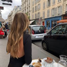 70 The Best Modern Haircuts & Hair Colors For Women Over 30 Hair Inspo, Hair Inspiration, Fashion Inspiration, Brown Blonde Hair, Aesthetic Hair, Blonde Aesthetic, Aesthetic Light, Travel Aesthetic, Grunge Hair