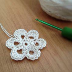 crochet-motif-26-01-13.jpg 2.283×2.283 pixels