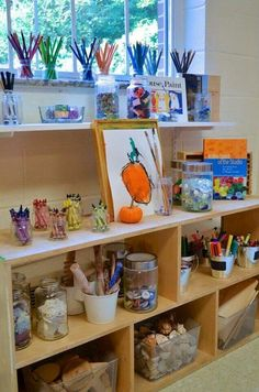 Atelier - Peachtree Presbyterian Preschool ≈≈I love the colour and organisation. Preschool Classroom, Preschool Art, Kindergarten Classroom, Waldorf Preschool, Reggio Emilia Classroom, Reggio Inspired Classrooms, Classroom Organisation, Classroom Design, Montessori Art